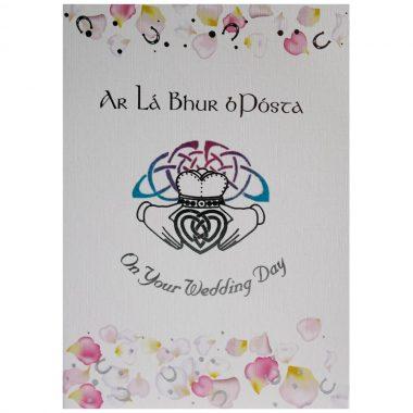 Irish wedding day greeting card with English and Irish greeting