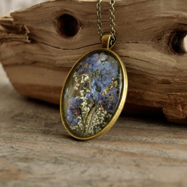 Irish Forget-Me-Not Pendant with real flowers in a vintage style pendant