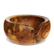 https://totallyirishgifts.com/product/irish-pottery-table-ware-gift-set/