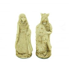 View the king and queen of the white pieces of the Celtic Legend Irish Chess Set