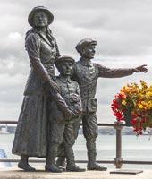 Annie Moore statue Cobh, Cork