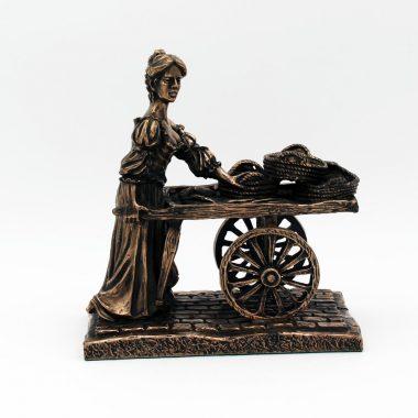 Molly Malone bronze statue, made in Ireland by Rynhart, the original creators of the Molly Malone statue in Dublin